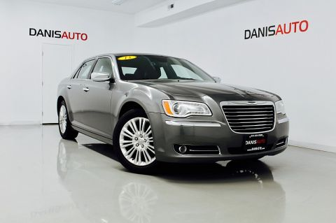 2011 Chrysler 300C 4d Sedan AWD AWD