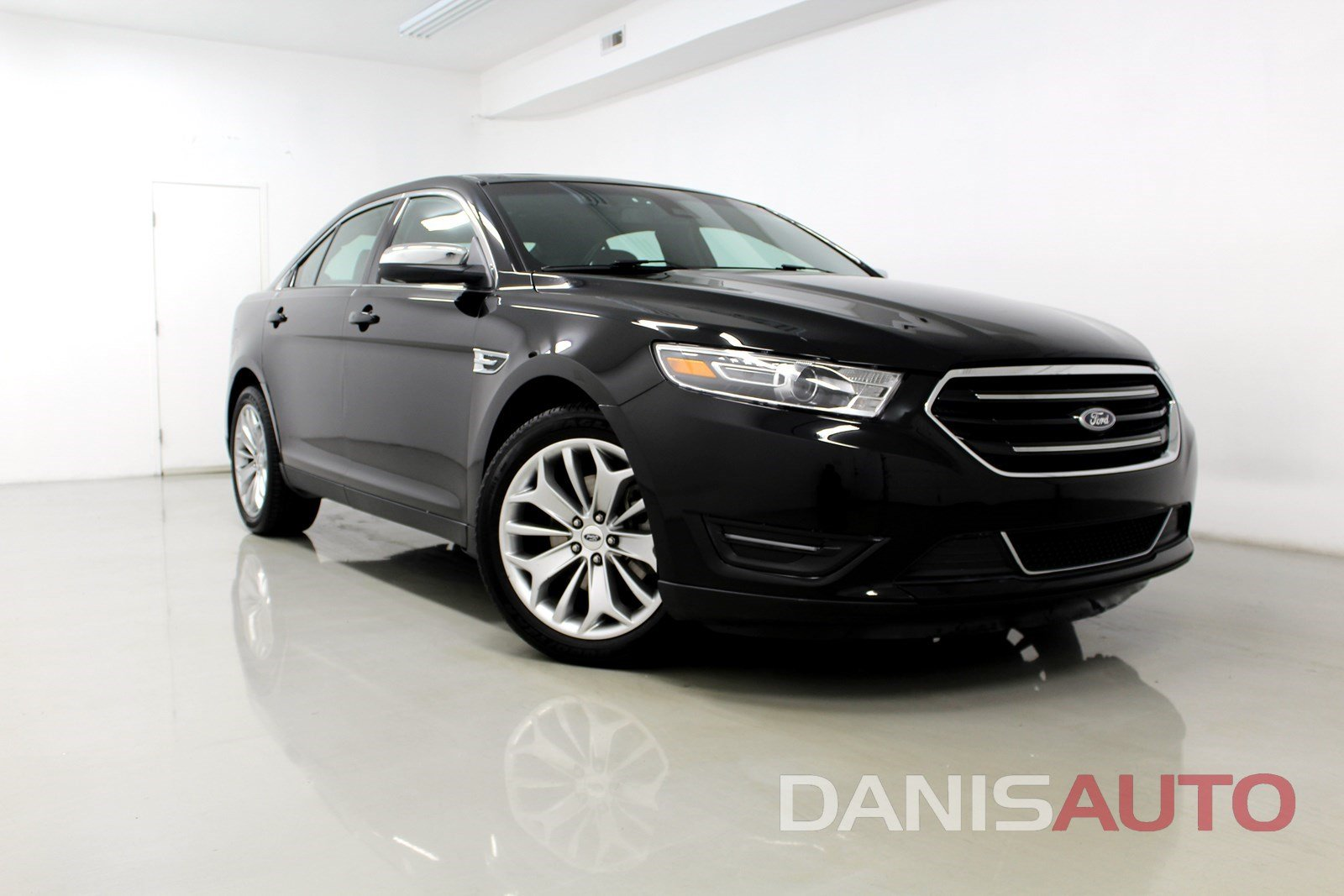 Pre owned 2017 ford taurus limited