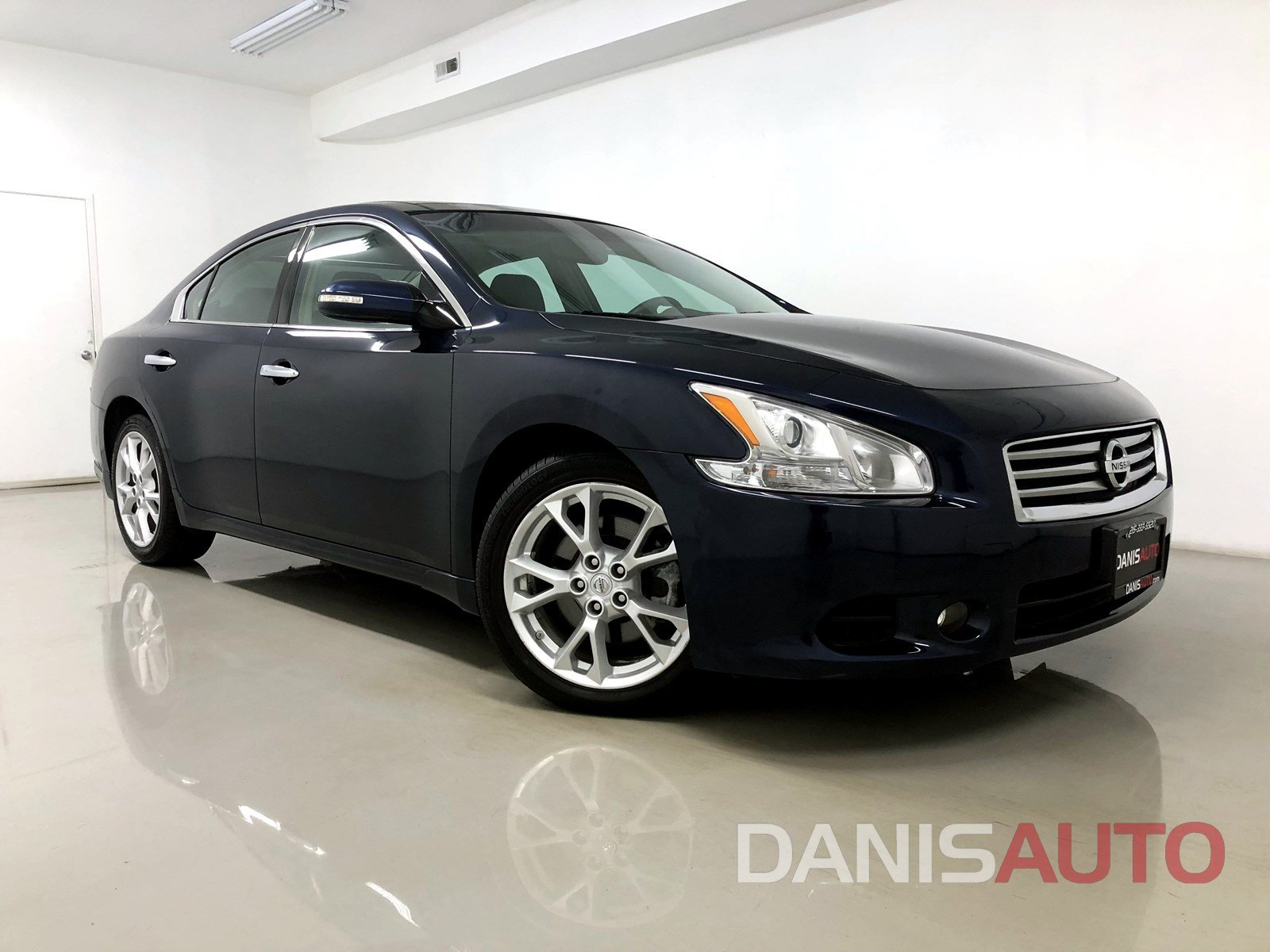 Pre Owned 2014 Nissan Maxima SV